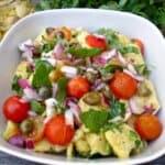 Картофена салата с чери домати и рукола