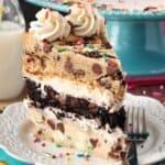 Приказна торта с парченца шоколад
