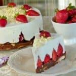 Торта с ягоди (без печене)