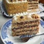 """Орехова торта с крем """"Мока"""""""