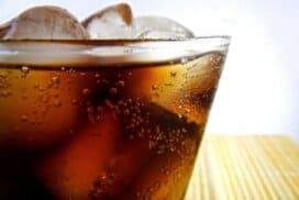 """Фен сте на """"Кока-кола""""? Ето, как да си я приготвите сами у дома!"""