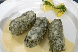 Сочни, месни сарми в лозов лист по изпитана рецепта