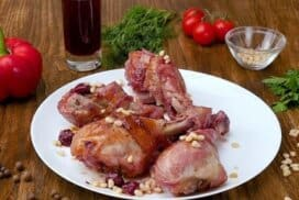 С тази рецепта приготвям сочно и питателно пиле, което е любимо на цялото семейство! Вижте коя съставка му придава този уникален вкус!