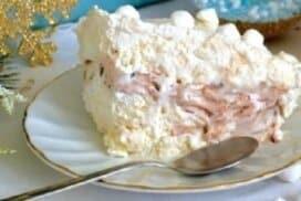 Страхотен летен десерт при това само от 3 съставки! Ефирният му вкус ще ви плени, а приготвянето му е толкова лесно!