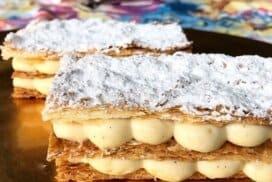 Топящ се десерт а ла наполеон с карамелени кори