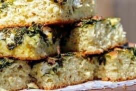 Всички у дом са луди по тази пита! Наричаме я отворената питка. Вкусна, мека, уникална!