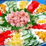 """Впечатляваща салата """"Мозайка"""""""
