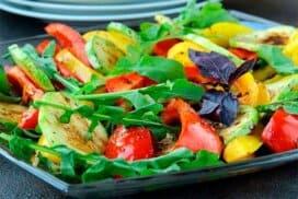 Вкусна салата с гриловани тиквички
