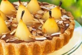 Потопете се в неземния вкус на този уникален десерт! Нежният крем и целите плодове ще Ви пленят!