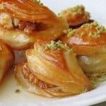 Изумителни мини баклавички по оригинална турска рецепта! Ще си оближете пръстите