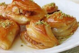 Изумителни мини баклавички по оригинална турска рецепта! Ще си оближете пръстите!