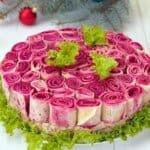 """Пленителна празнична салата """"Букет от червени рози"""""""