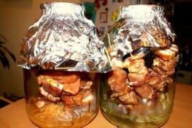 Искате равномерно изпечени крехки и сочни шишчета? Пригответе ги по този начин и ще забравите за прегорялото отвън и сурово отвътре месо!