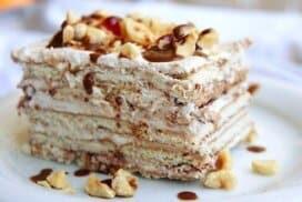 Съблазнителна торта без печене с нотка от любимото тирамису