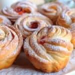 Насладете се на този апетитен десерт с хрупкава коричка. Вкус, който ще задоволи дори най-капризните!
