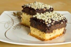 Разтапящо вкусен и десерт в два цвята! Елегантен с невероятно апетитен крем с лека орехова нотка!