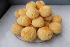 Божествени дребни сладки! Сочни, крехки и мега вкусни! При това без брашно!