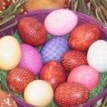 Нова техника за зашеметяващи шарки по великденските яйца! Опитайте много е лесно, а резултатт е страхотен!