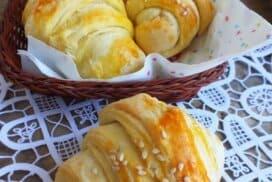 Примамливи вкусни кифлички, за които е подходяща и солена, и сладка плънка