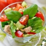 Свежа, апетитна и много бърза салата