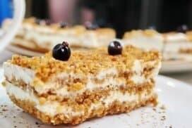 """Мързелива торта """"Медовик""""- уникално вкусна, при това без печене"""