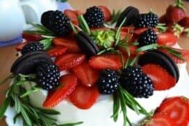 Тази торта ме спасява в летните жеги! Страшно вкусна е и освен това не е нужно да се пържиш около печката, докато я приготвяш!