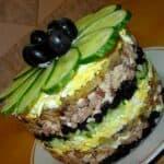Не салата, а мания! Опитайте това вкусно изкушение от пиле и сушени сини сливи!