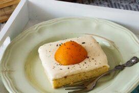 Всички винаги остават шашнати след като им поднеса яйца на очи за десерт (ВИЖ ТУК)
