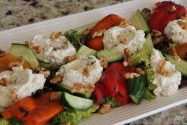 Пъстра салата с ароматна рикота и свежи зеленчуци