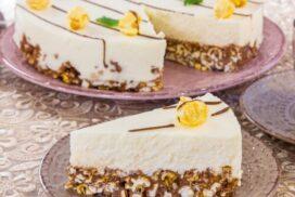 Въздушна торта с нетрадиционен блат- изкушение, което не можете да подминете!