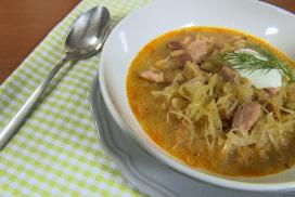 Идеалната супа от кисело зеле и месо, която колкото повече стои, толкова по-вкусна става!