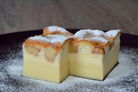 Обичам този десерт, защото приготвям всичко едновременно, а резултатът е кремообразен, плодов сладкиш с приятен канелен аромат!