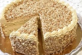 Тази торта не можете да я намерите в нито един магазин или сладкарница! Пухкавият ѝ блат и нежният крем ще ви накарат да се влюбите в нея!