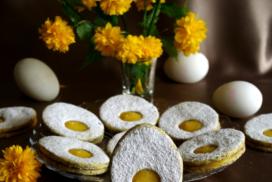 Перфектните домашни сладки за Великден! Топящи се в устата линцери, слепени с копринен домашен лимонов крем! РЕЦЕПТАТА ТУК
