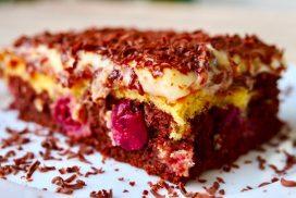 Още първа хапка от тази лека торта пленява! Покоряваща комбинация само от любими вкусове!