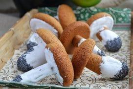 """Красиви и оригинални """"Гъбки"""". Вкусна рецепта за пухкави домашни сладки!"""