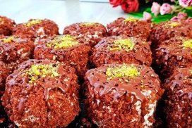 Приготвянето на тези пастички е много просто, наборът от продукти го има във всеки хладилник,  а резултатът е мек, МНОГО, МНОГО шоколадов десерт!